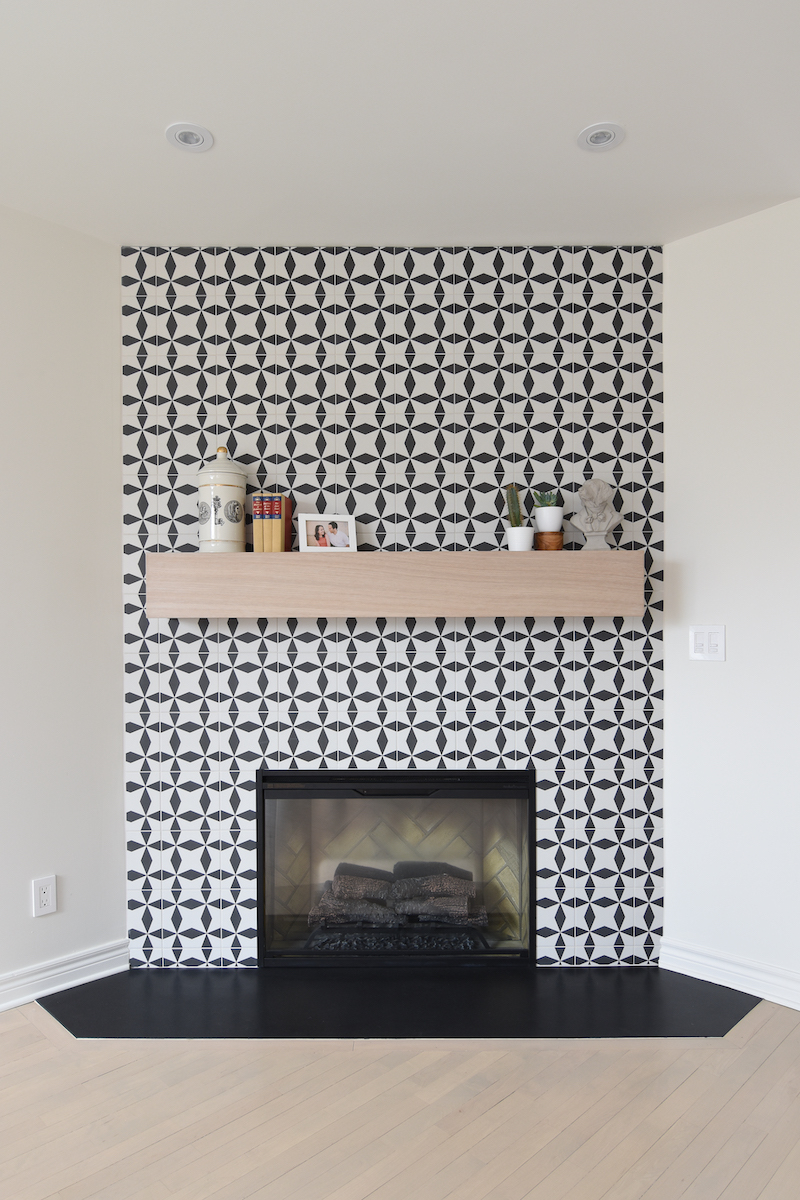 black-and-white-pattern-tile-fireplace-hb-design-inc