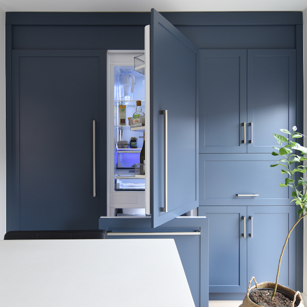 blue-kitchen-panelled-fridge-3