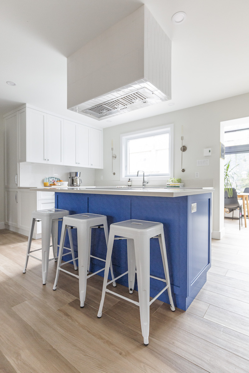 custom-tiled-ceiling-hood-blue-island-hb-design-inc-montreal-ca-3