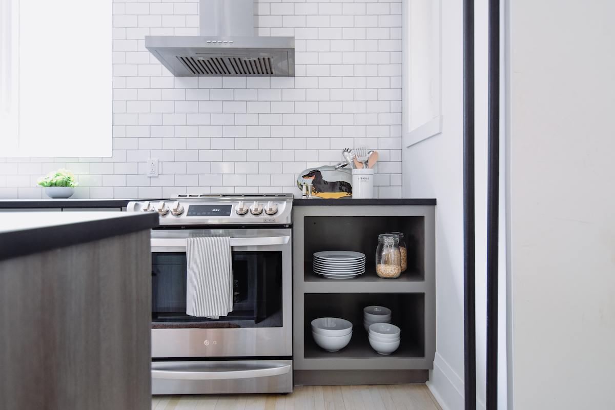 industrial-kitchen-design-stainless-appliances-montreal-2
