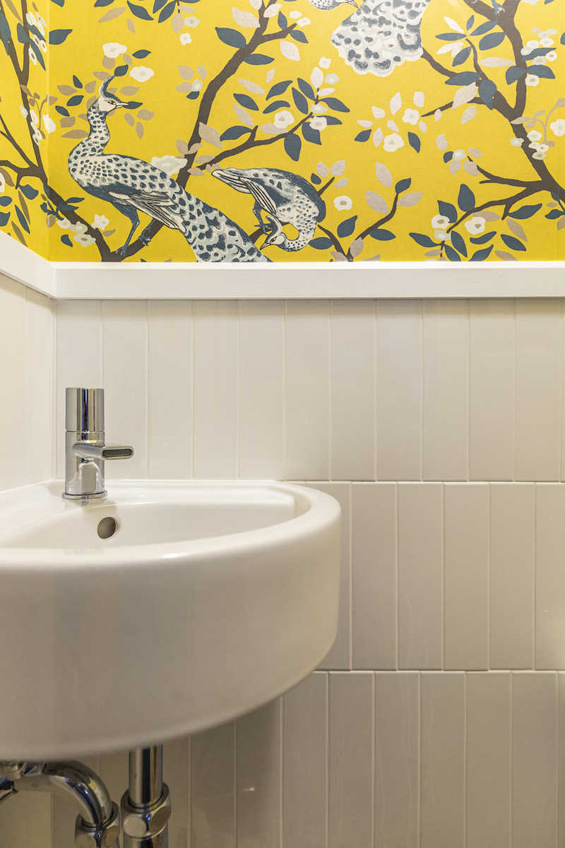 montreal-ca-interior-design-yellow-wallpaper-powder-room-sink-3