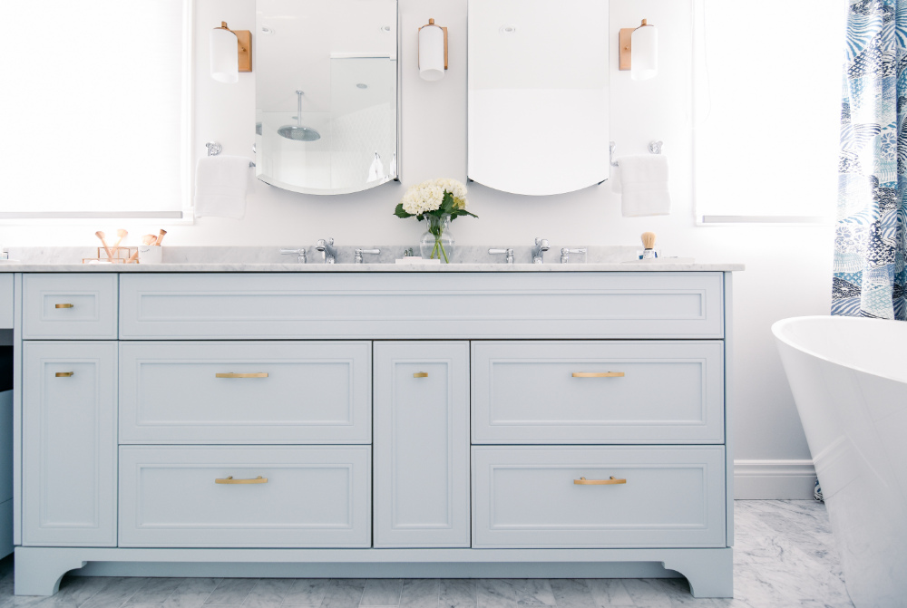 hb-design-interior-designer-bathroom-pale-blue-cabinets