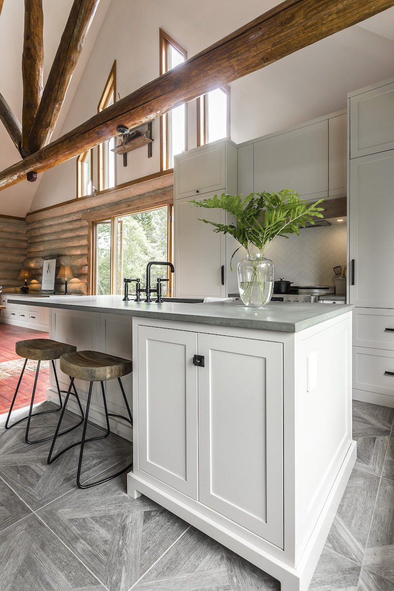 kitchen-design-exposed-wood-beams-mont-tremblant