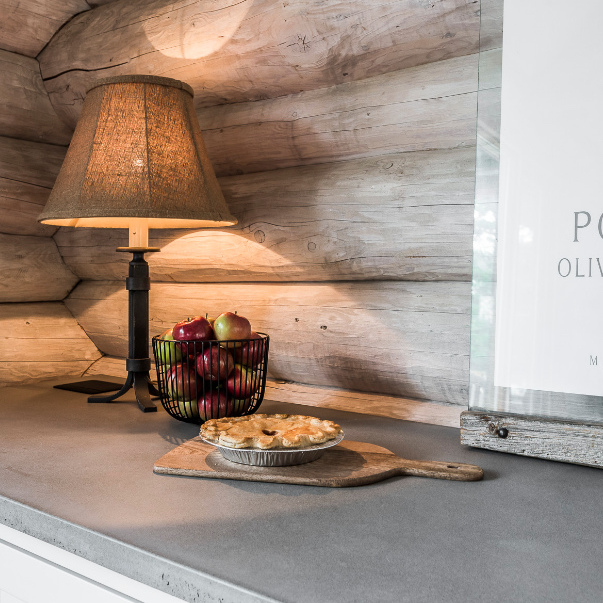 side-table-with-fresh-baked-pie-and-lamp