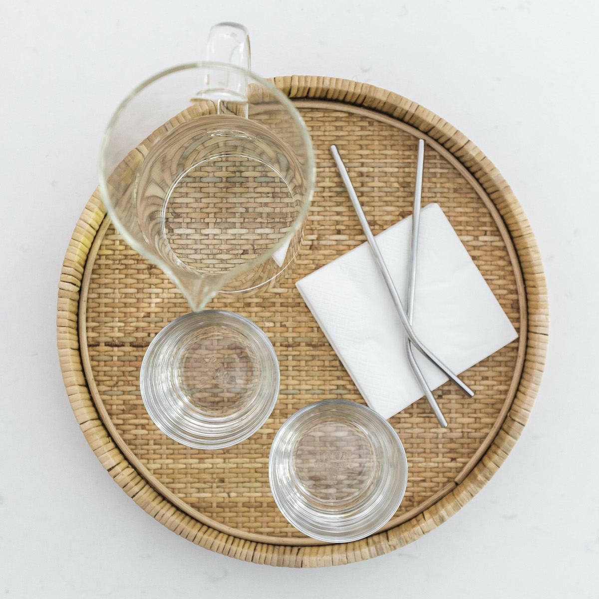 tray-with-glasses-water-pitcher-metal-straws-3