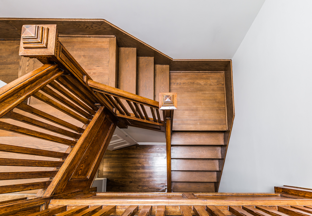 wood-staircase-montreal-ca